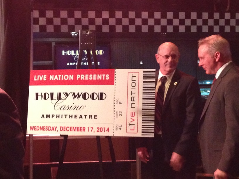 Mayor Mike Moeller and Hollywood Casino's Todd George.